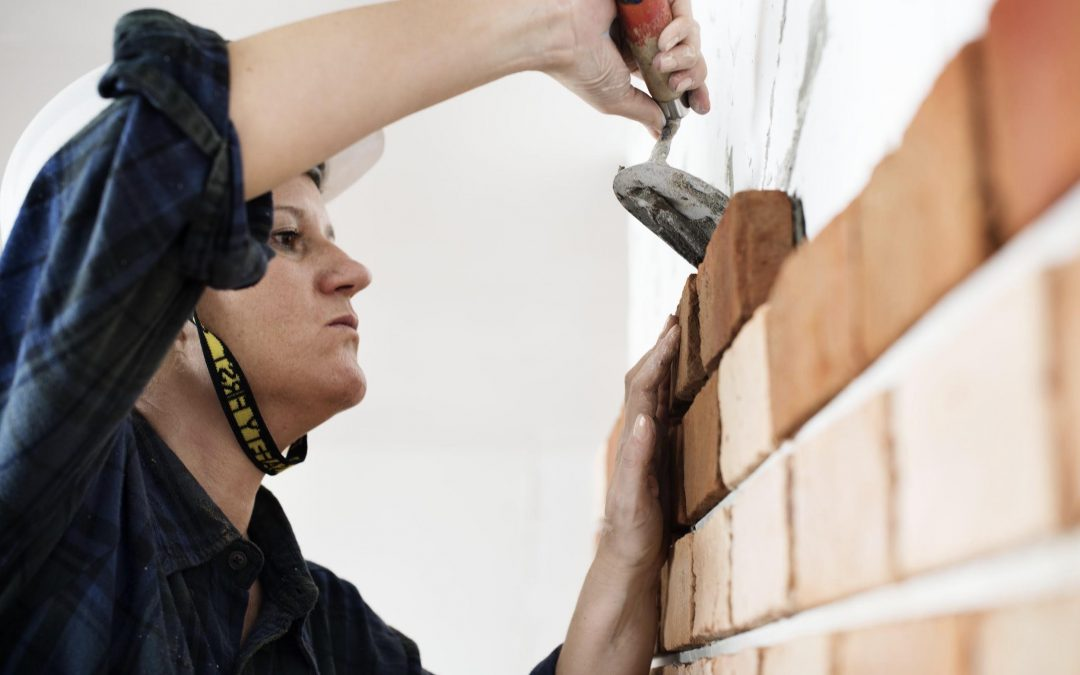 5 Essential Professionals to Hire When Building Your Dream Home